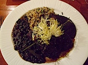 The Inn at Lost Creek内レストラン、9545: Skirt Steak, Grilled Portobello Mushroom, Chirozo Black Beans, 9545 Rice Pilaf
